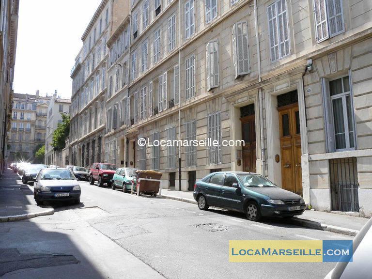 location meubl e marseille appartement type t2 rue saint jacques. Black Bedroom Furniture Sets. Home Design Ideas