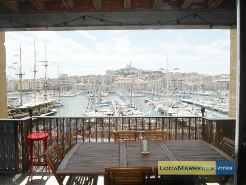 Marseille location meubl e appartement type t4 terrasses for Location appartement marseille terrasse