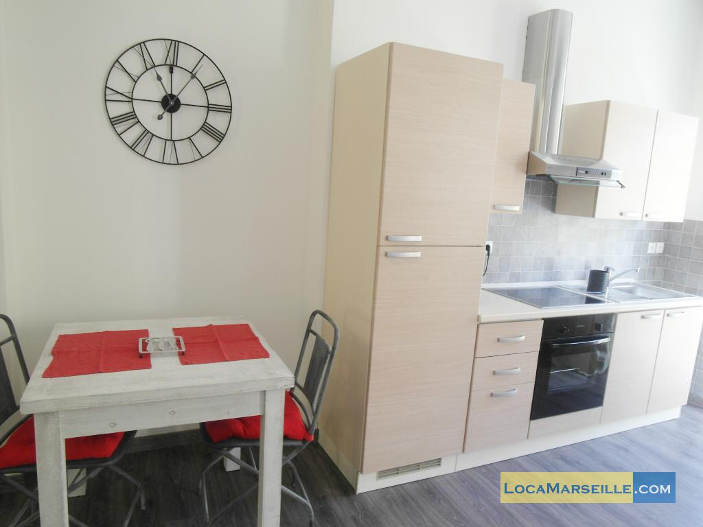 marseille location meubl e appartement type t1 studio avec balcon. Black Bedroom Furniture Sets. Home Design Ideas