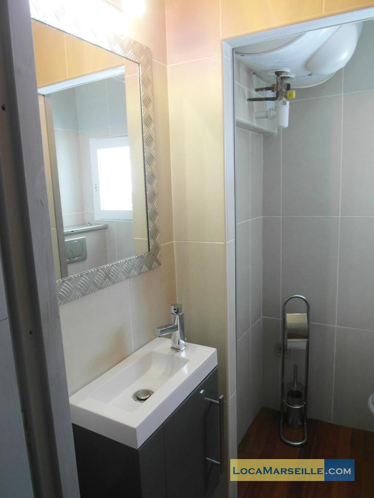location meubl e marseille duplex type t3 casa design. Black Bedroom Furniture Sets. Home Design Ideas