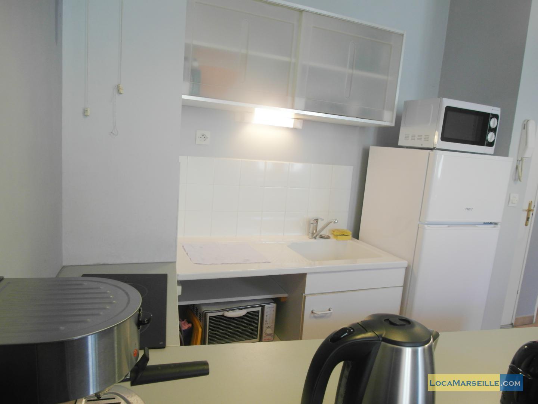 Marseille location meubl e appartement type t2 le petit marseillais for Petit coin cuisine