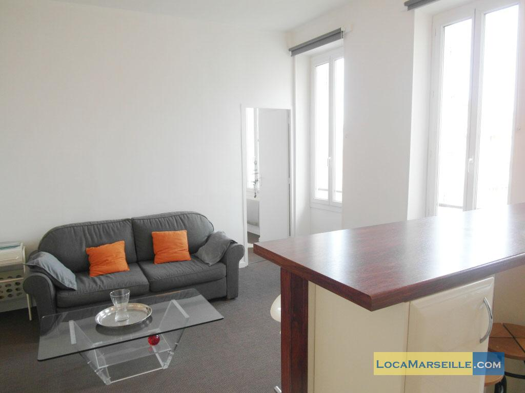 Location meubl e marseille appartement type t2 paradis blanc for Location appartement design marseille
