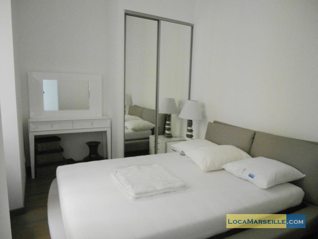 Location meubl e marseille appartement type t3 republika for Location appartement design marseille