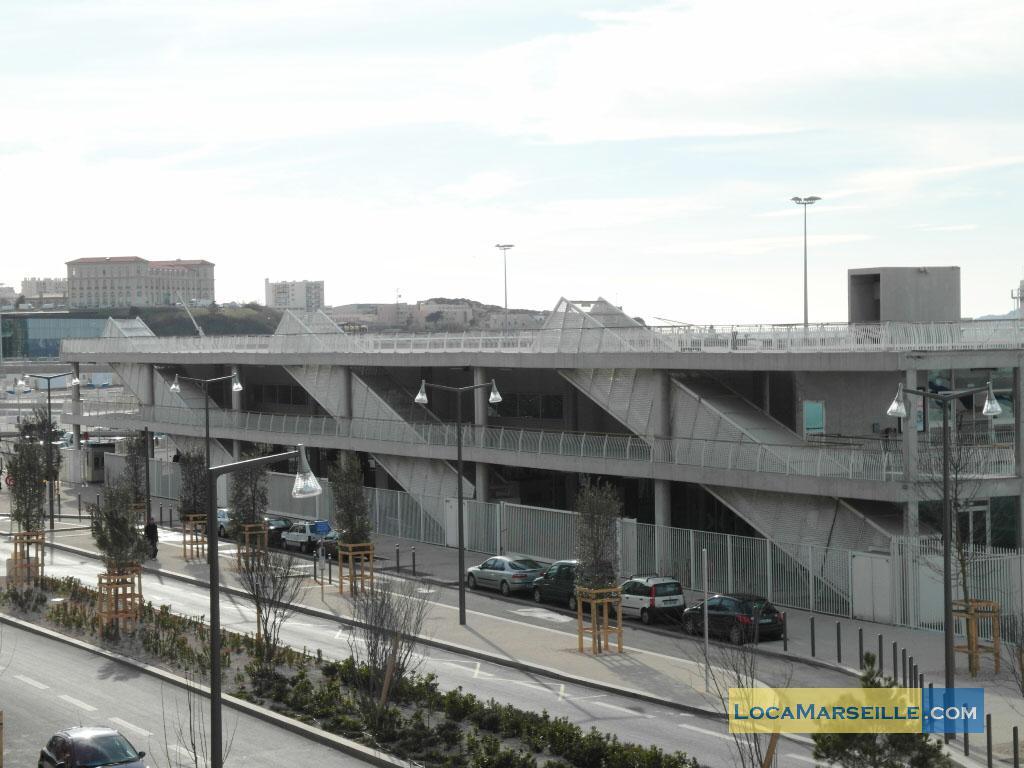 Marseille location meubl e appartement type t3 embarcadere for Location appartement design marseille