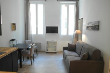 type T2 of Moliere 3D Paris apartment rentals Vieux Port