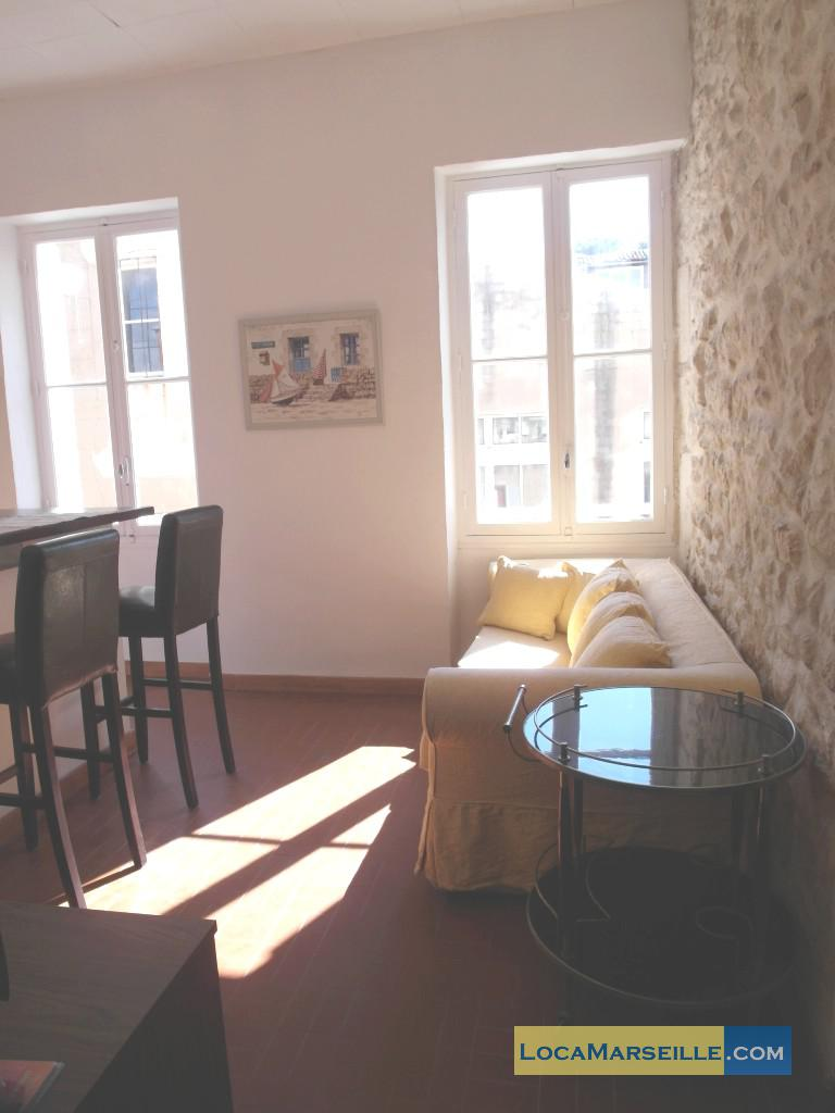 Location meubl e marseille appartement type t2 teiva for Location meublee