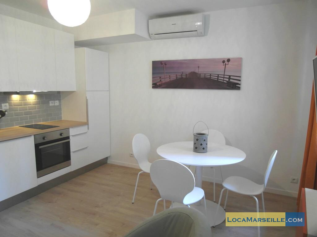Location meubl e marseille appartement type t2 warhol for Salle a manger 1920