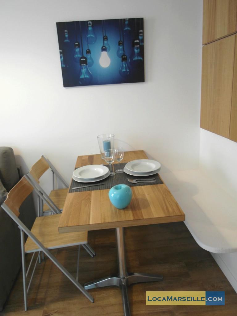 Location meubl e marseille appartement type t2 chez flo for Salle a manger 1920
