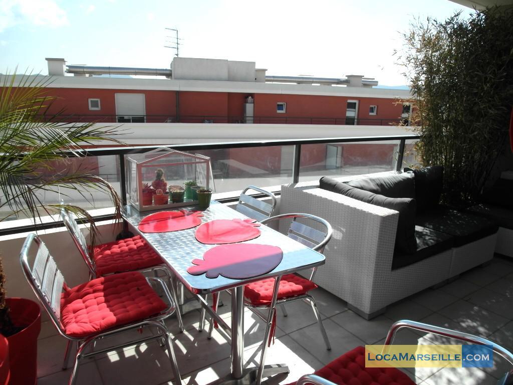 Marseille location meubl e appartement type t3 terrasse for Location appartement marseille terrasse