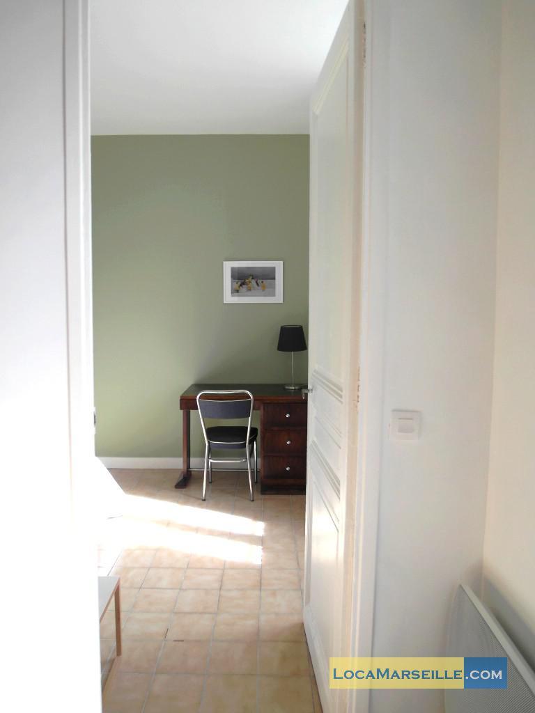 location meubl e marseille appartement type t2 joliette. Black Bedroom Furniture Sets. Home Design Ideas