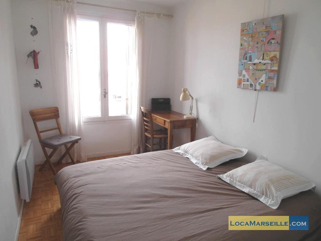 Marseille location meubl e appartement type t2 terrasse for Belles chambres a coucher