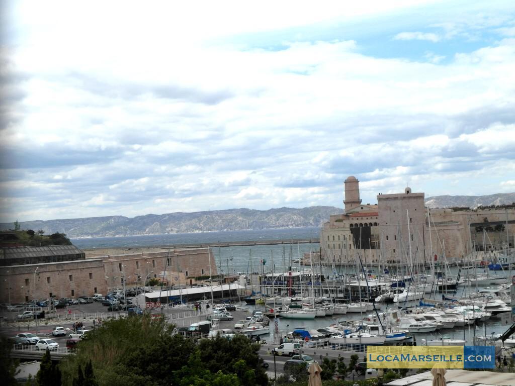 Marseille location meubl e appartement type t2 terrasse for Terrasses en vue location