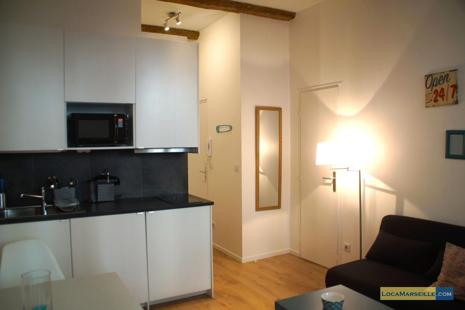 Marseille location meubl e appartement type t2 cesar for Location appartement design marseille