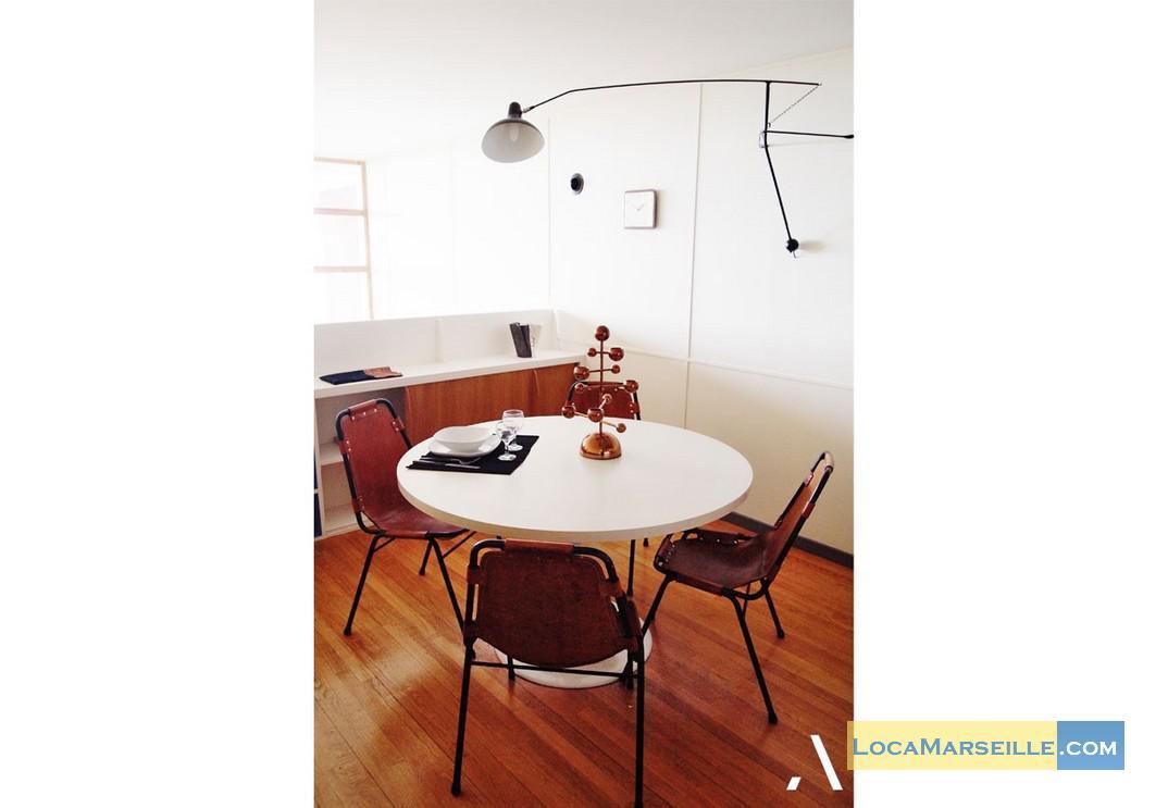Location meubl e marseille duplex type t3 le corbusier for Salle a manger 1920