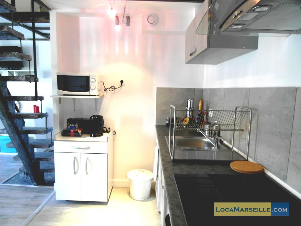 Marseille location meubl e appartement type t2 petit paradis for Petit coin cuisine