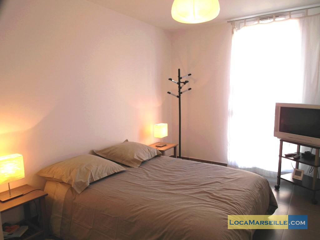 Marseille location meubl e appartement type t3 le panama for Chambre a coucher 8m2