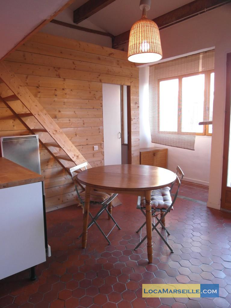marseille location meubl e appartement type t2 duplex camille. Black Bedroom Furniture Sets. Home Design Ideas