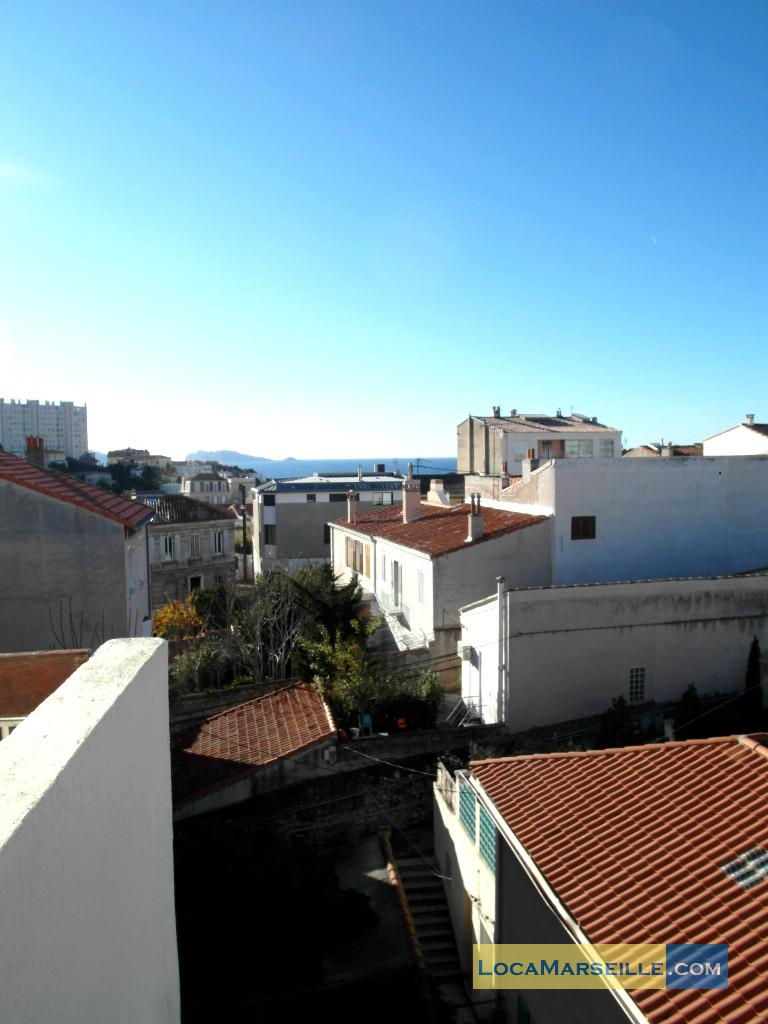 Marseille location meubl e appartement type t2 les for T2 marseille terrasse