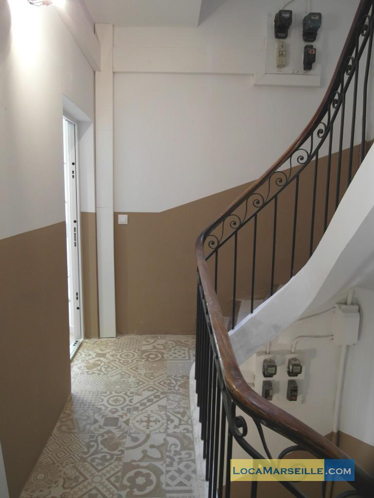Marseille location meubl e appartement type t2 palud 3d for Location appartement design marseille