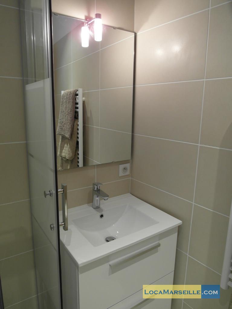 Location meubl e marseille appartement type t2 palud 4d - Salle d eau 4m2 ...