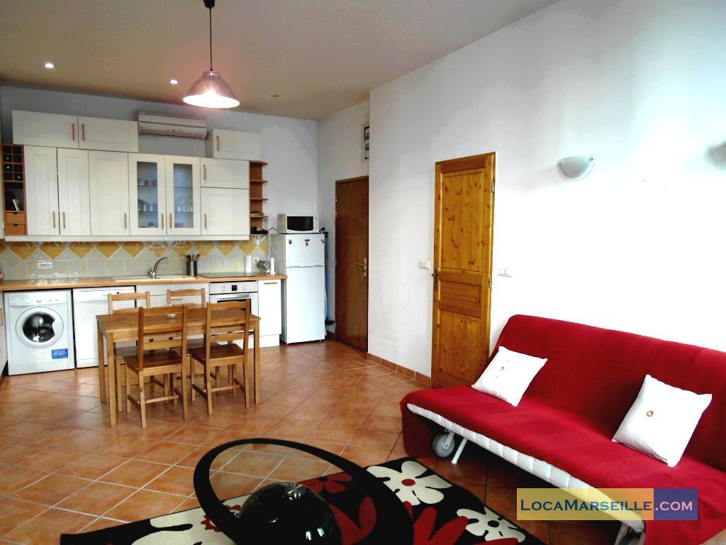 Location meubl e marseille appartement type t2 perier for Location appartement design marseille