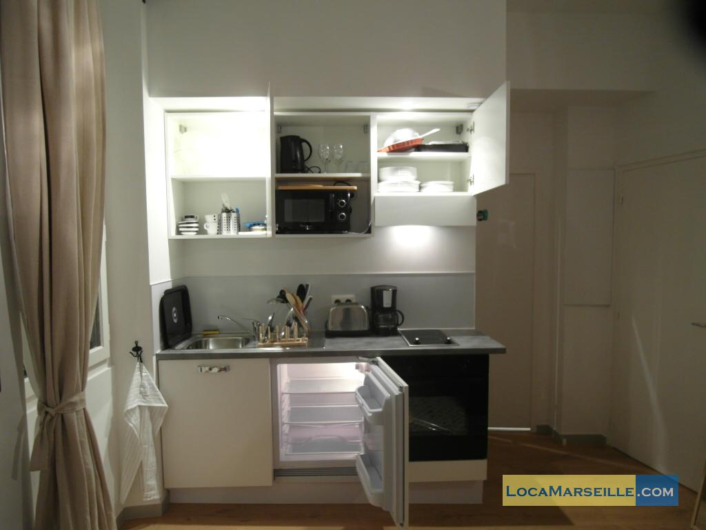 marseille location meubl e appartement type t1 studio studio lodi 1. Black Bedroom Furniture Sets. Home Design Ideas