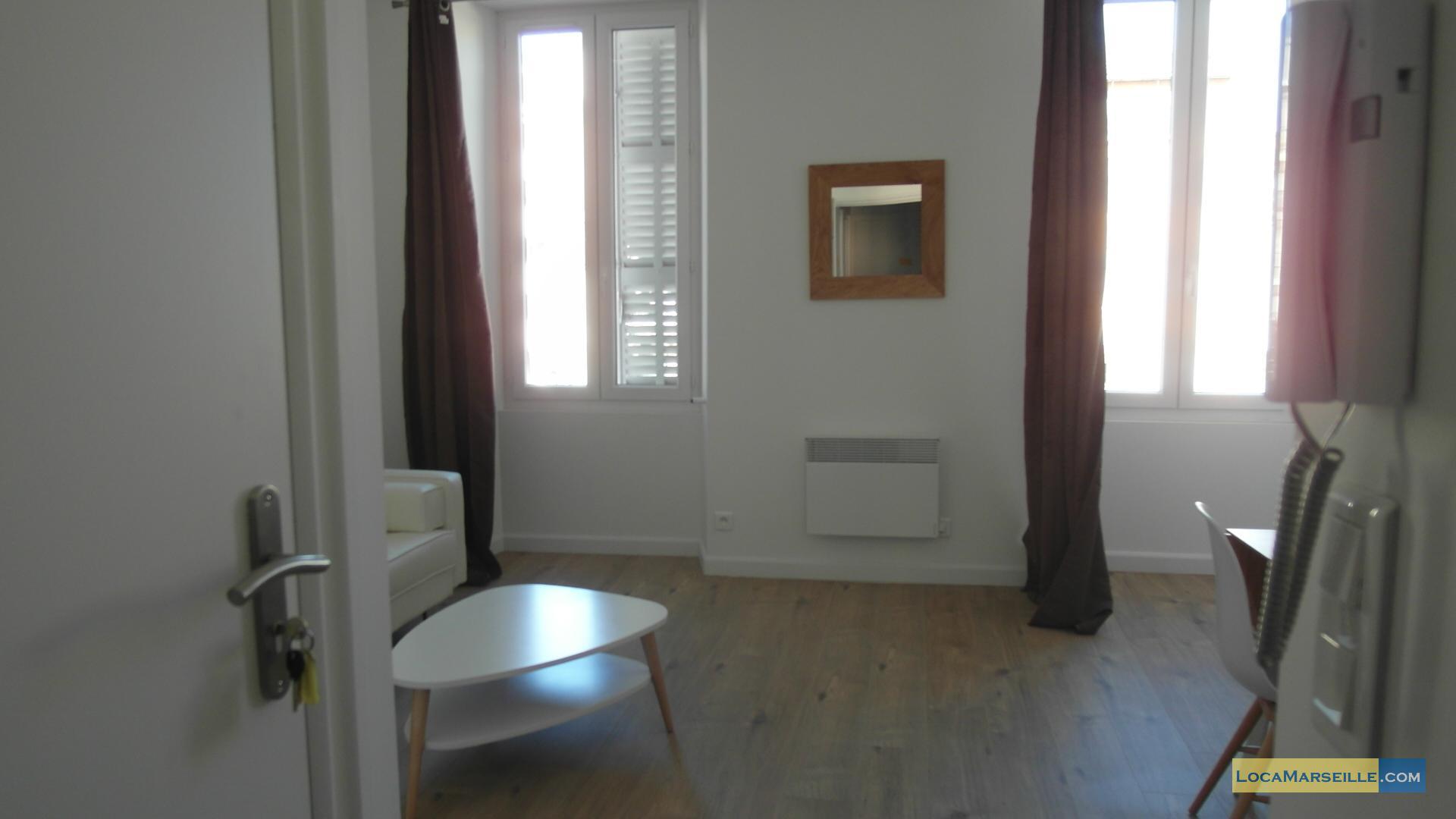 marseille location meubl e appartement type t1 fjord. Black Bedroom Furniture Sets. Home Design Ideas