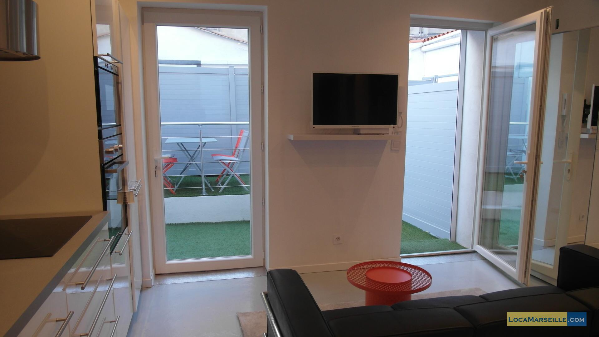 T3 terrasse location meubl e marseille proche castellane for Location appartement marseille terrasse en ville