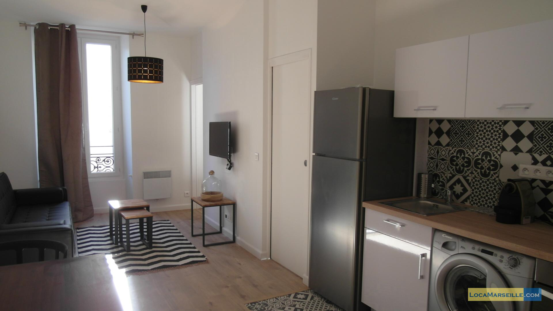 chambre meubl e marseille location. Black Bedroom Furniture Sets. Home Design Ideas