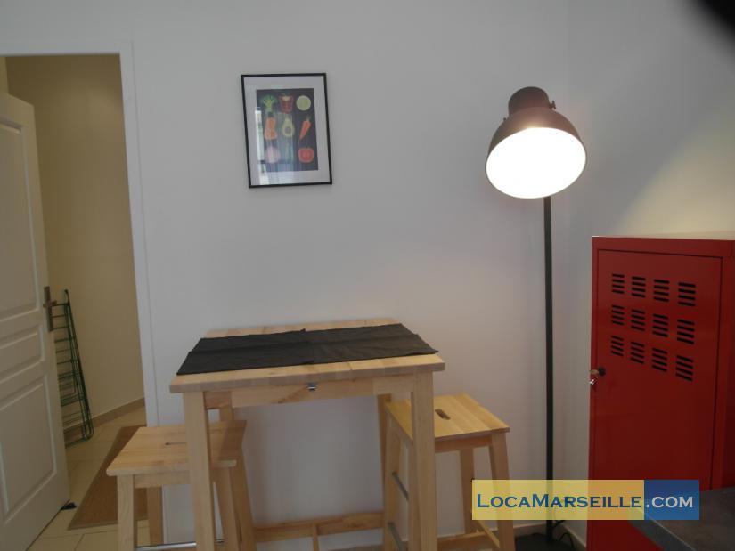 Location appartement meubl marseille dans le panier for Location meuble marseille