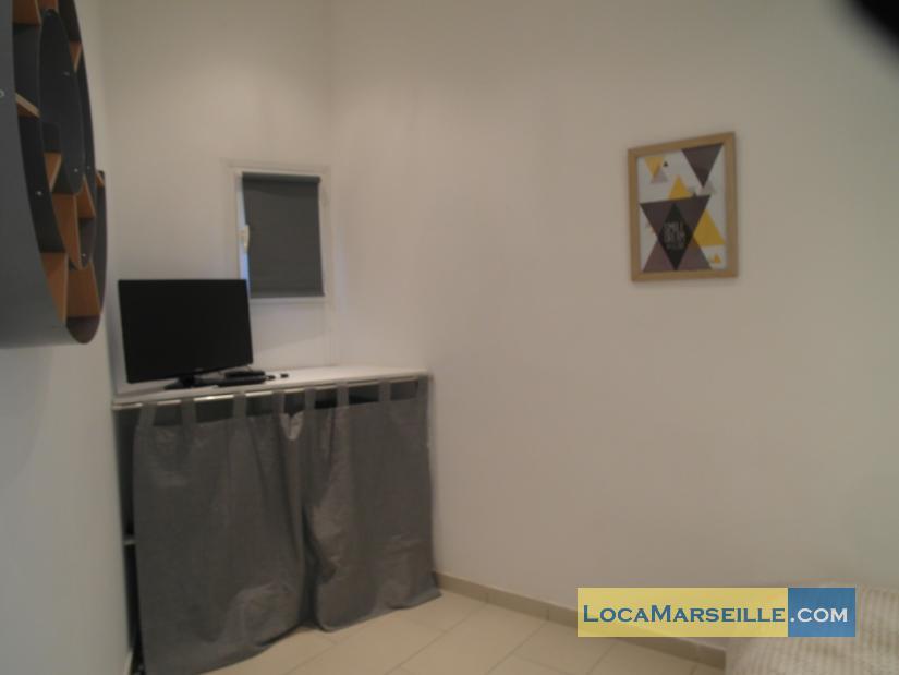 Location appartement meubl marseille dans le panier for Location studio meuble marseille