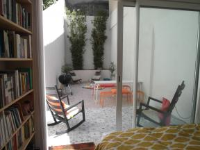 Location meubl e marseille la plaine appartement meubl e for Location studio meuble marseille