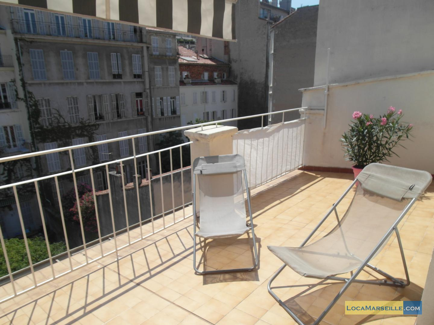 Marseille location meubl e appartement type t2 terrasse for T2 marseille terrasse