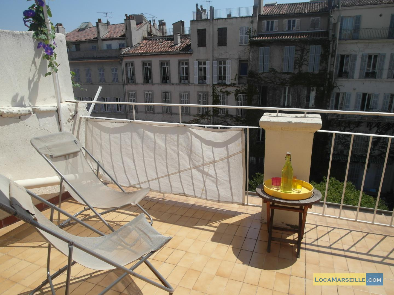 Marseille location meubl e appartement type t2 terrasse for Location appartement marseille terrasse en ville