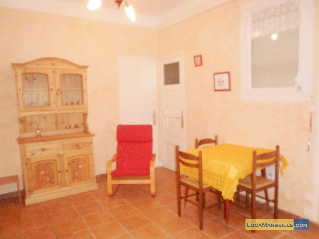 Location meubl e marseille appartement type t1 studio for Salle a manger 1920